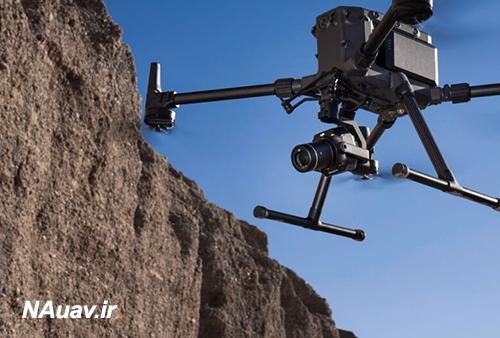 کوادکوپتر Matrice 300 RTK در حال پرواز و تصویربرداری هوایی